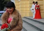 Nổi da ga xem sức chịu đựng của các cô dâu Hà Nội