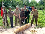 Quảng Ngãi thực hiện dự án rà phá bom mìn, vật nổ trả lại đất sạch cho sản xuất