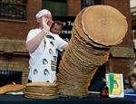 Phá kỷ lục thế giới về xếp chồng bánh kếp cao