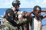 Quá tải cướp biển, quốc đảo Xâysen cầu cứu