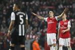 """Arsenal: Kìa """"nòng pháo"""" vẫn vươn lên trời cao"""