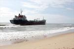 Tàu Petro Pacific 1 mắc cạn tại biển Bình Thuận