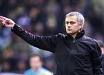 Mourino gặp rắc rối vì miệt thị trọng tài