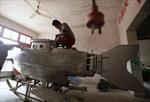 Thất nghiệp chuyển sang... chế tạo tàu ngầm