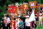 Lễ hội Vía Bà Chúa Xứ 'hút' du khách