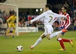 Khi Ronaldo chỉ tay vào chân mình…