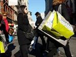 Doanh số bán lẻ Mỹ tăng xoa dịu các nỗi lo kinh tế