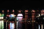 Đêm hội hoa đăng trên sông Hương
