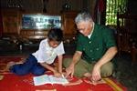 Một người dân tộc Vân Kiều cưu mang nhiều học trò nghèo