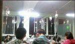 Học sinh Trung Quốc vừa luyện thi vừa truyền dịch