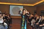 Tà áo dài Việt Nam gây ấn tượng tại Áchentina