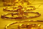 Euro mạnh lên, vàng tăng giá