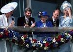 Tưng bừng lễ kỷ niệm của Nữ hoàng Anh