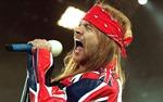Bắt được nghi can ăn cắp dây chuyền của thủ lĩnh Guns N' Roses