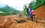 Điện Biên: Hàng trăm m3 đất đá bất ngờ đổ ập xuống bản Chiềng An