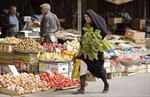 'Ngấm' cấm vận, người Iran khó khăn đủ đường