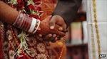 Cấm hôn nhân vì tình yêu?