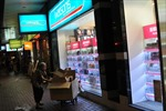 Hong Kong sắp tăng 'tiền hoa quả' cho người cao tuổi