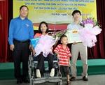 Cặp vợ chồng Phương - Chín đoạt giải Thanh niên sống đẹp