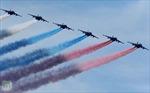 Không quân Nga phô diễn sức mạnh