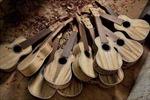 Thăm xưởng làm đàn guitar hơn nửa thế kỷ