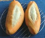 Lâm Đồng: 25 người ngộ độc nghi do ăn bánh mì