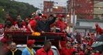 Tổng thống Chavez tăng khoảng cách với đối thủ