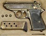 Súng của trùm mật vụ Đức có giá 30.000 bảng