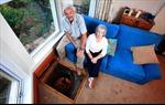 'Hố tử thần' trong phòng khách ở Anh