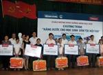 Trao tặng chăn cho học sinh dân tộc nội trú tỉnh Cao Bằng