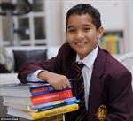 Thần đồng toán học trở thành sinh viên đại học trẻ nhất Anh