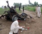 Xe khách trúng bom, 14 người Pakistan thiệt mạng