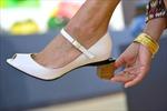 Giày thay đổi chiều cao bằng cách ấn nút