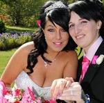 Cô dâu hủy hôn với chú rể để cưới... phù dâu