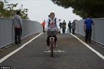 Cầu đi bộ ưu tiên… xe đạp
