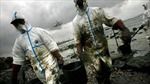 Dọn dầu tràn bằng công nghệ nano và nam châm