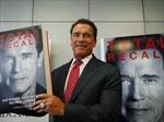 Arnold giới thiệu sách tại hội chợ sách quốc tế Frankfurt