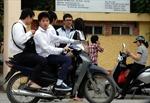 Lập lại kỷ cương giao thông Hà Nội - Bài 2: Học sinh, sinh viên cũng phạm luật