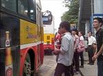 Bức xúc vì xe buýt không chịu... 'nhồi' khách