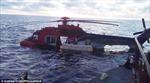 Máy bay lao xuống biển, 19 người thoát chết