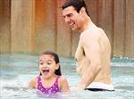 Tom Cruise kiện tạp chí vì nói anh bỏ rơi con