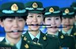 Hải quan Trung Quốc tập cười bằng … đũa