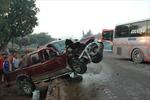 Hai xe đối đầu, bốn người nhập viện