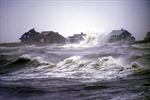 Áp thấp nhiệt đới gây gió giật cấp 9