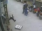 Video: Nam thanh niên bốc đầu xe máy tông phải cột điện