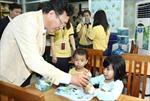 Bộ trưởng giáo dục thăm 'lớp học hy vọng'