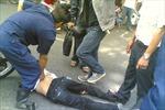Bắt nóng ba đối tượng cướp laptop trên phố