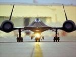 Ngắm máy bay Blackbird SR-71 có tốc độ vượt tên lửa