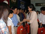 TP Hồ Chí Minh: Lo Tết cho công nhân, sinh viên