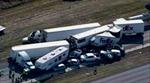 Mỹ: Tai nạn liên hoàn, xe chất đống trên đường cao tốc